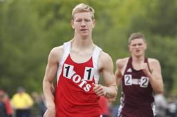 Steven Smith wins national 3000 meter racewalk championship